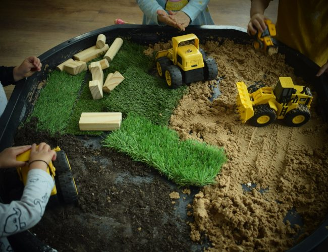 Oxley Park diggers learning opportunity used by the toddlers